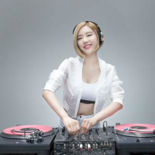 张玮伽 - 小小的太阳(Dj9锐 Extended Mix国语女)